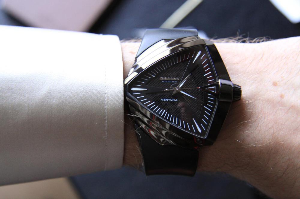 Ρολόγια που έμειναν στην ιστορία του κινηματογράφου για το ιδιαίτερο στυλ  τους c2dbb2309fb